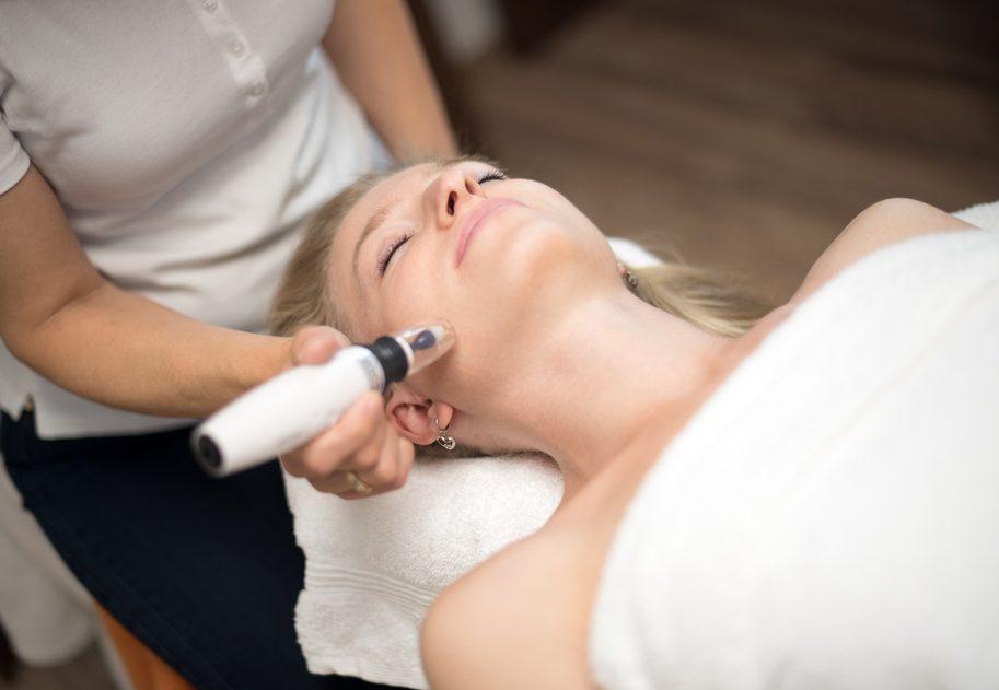 Masáž tváre v štúdiu Belladerm